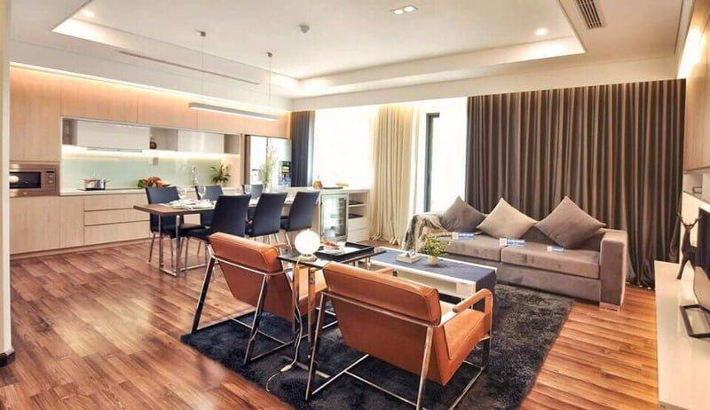 Phòng khách rộng rãi với nội thất bắt mắt