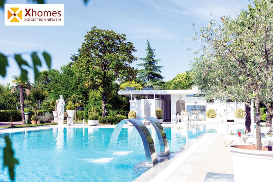 Bể bơi ngoài trời dành cho cư dân trong dự án có những phút giây thư giãn