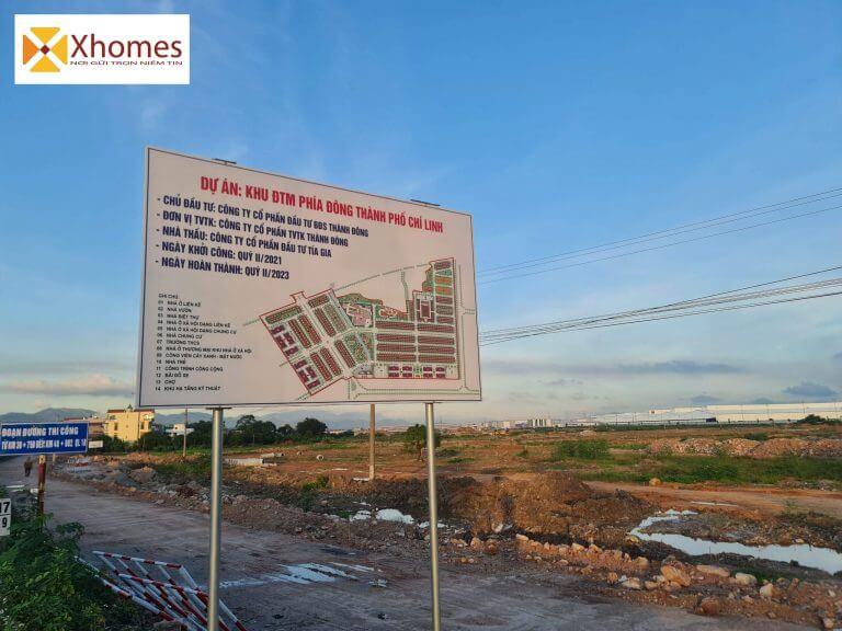 Cổng dự án kđt mới Đông Chí Linh-Hải Dương nằm trên mặt đường qlo 18